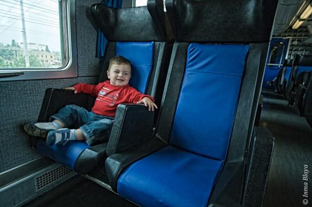 Rubén en el tren en Bolonia, 04 de 2011